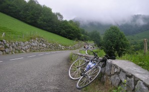 famous bike climbs in France